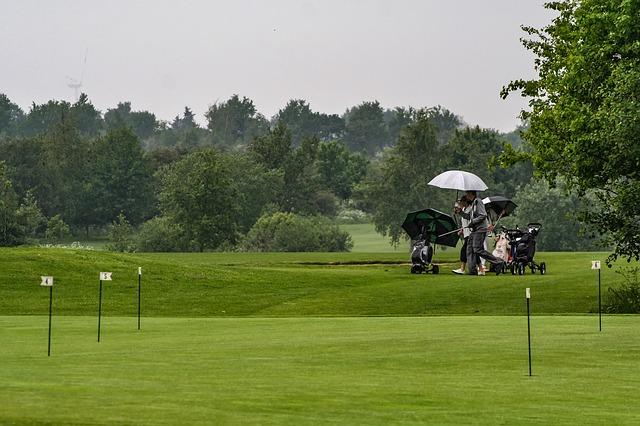 golf sous la pluie